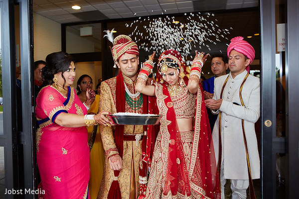 indian wedding photography,indian bride and groom,bridal tikka