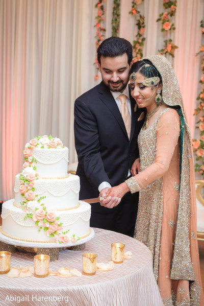 indian wedding cake,indian wedding ideas,indian wedding cake photography