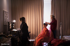 indian bride getting ready,indian bride ceremony fashion