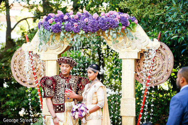 sri lankan wedding ceremony,sri lankn bride and groom,floral and decor