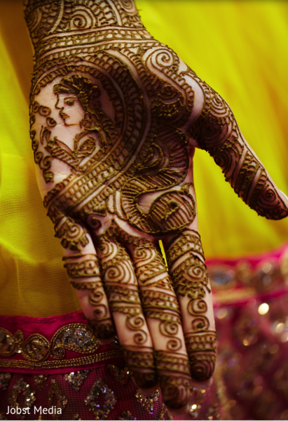 mehndi art,mehndi artist,indian bridal mehndi