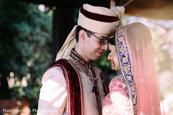 indian bride and groom portrait,indian bride and groom