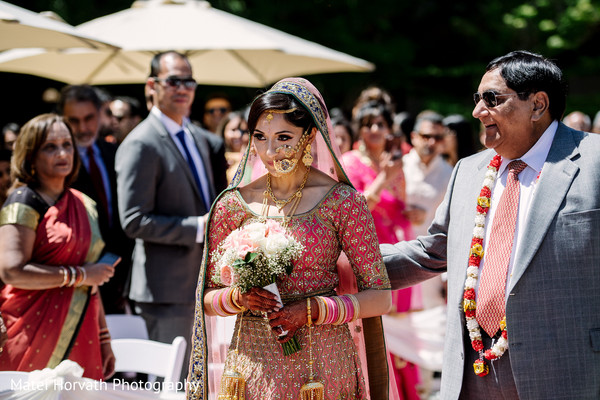 indian wedding ceremony,indian bridal bouquet