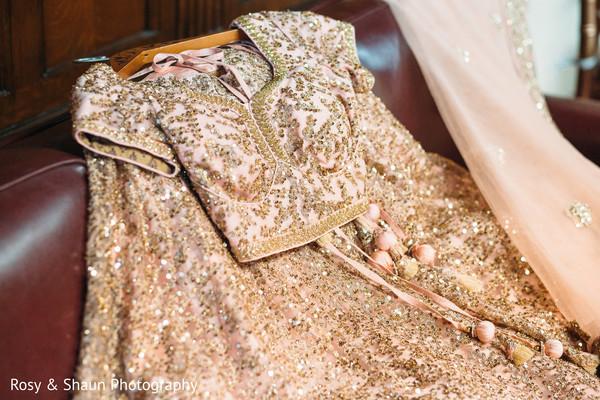 lengha,bridal lengha,golden bridal lengha