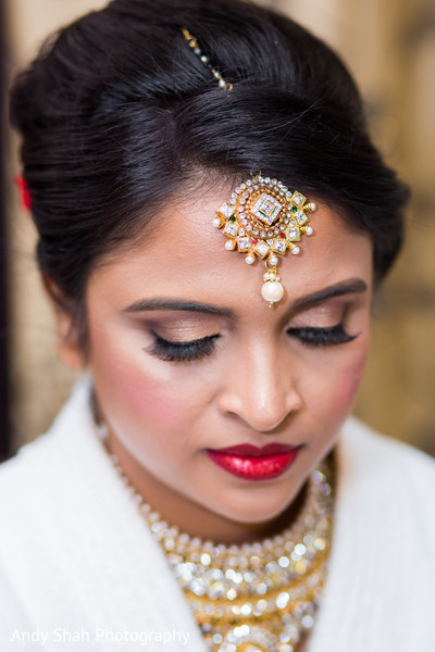 Gorgeous Indian bridal makeup look.