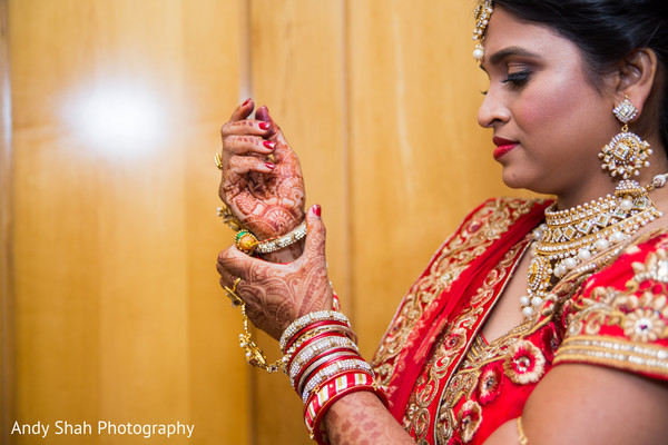 indian bride,getting ready,bridal mehndi
