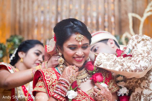 mangalasutra,indian bride,indian wedding ceremony