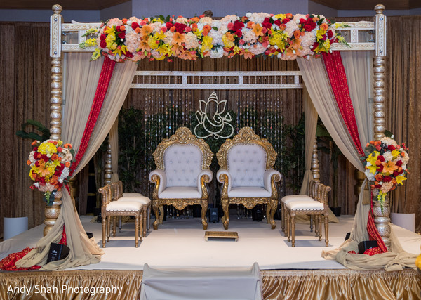 Fascinating floral wedding mandap design.