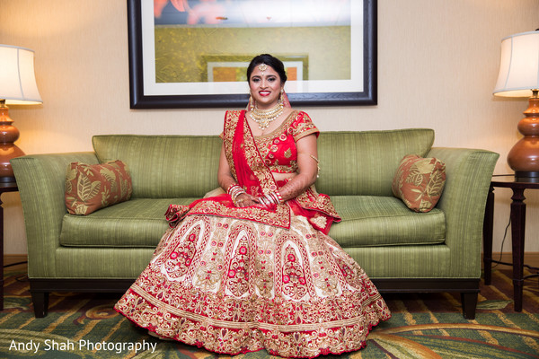 Breathtaking traditional indian bride look.