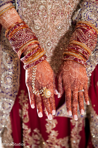 pakistani bride,bridal mehndi,pakistani bridal jewelry