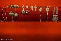 indian bride accessories,bride jewelry set photography,indian bridal jewelry