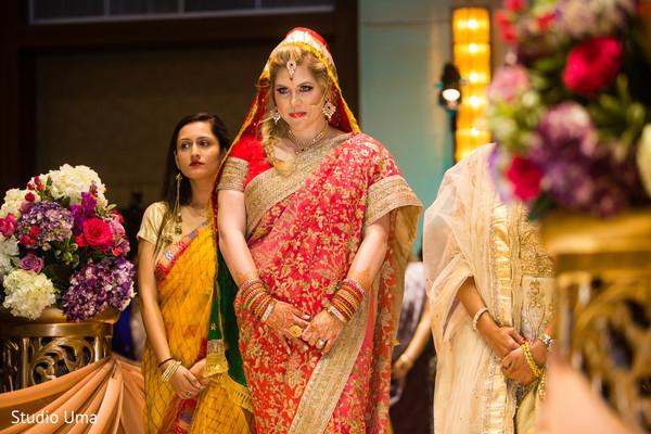 indian wedding ceremony,indian bride,sari,indian bridal fashion