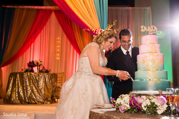 indian wedding reception,indian wedding cake