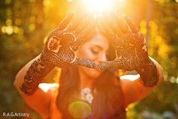 Astonishing indian bride mehndi art