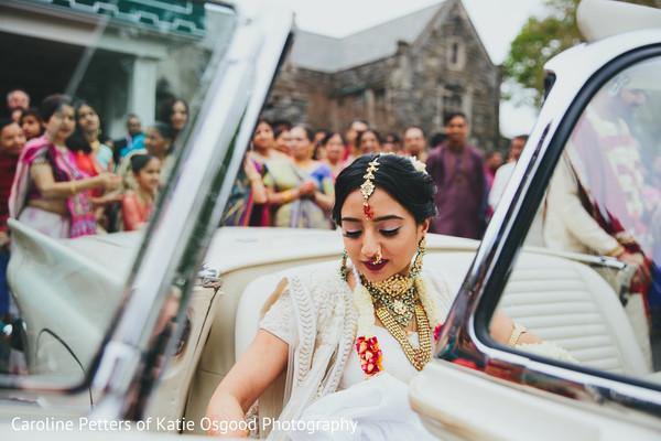 indian bride fashion,indian bridal makeup,bridal jewelry,bridal tikka
