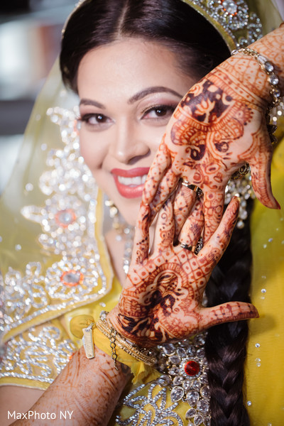 mehndi art,indian bridal mehndi,mehndi