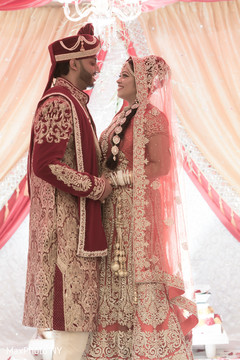 indian bride and groom,indian groom outfit,indian bride fashion