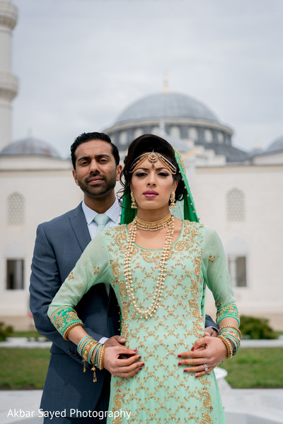 indian bride and groom portrait,indian bride fashion,indian groom suit,bridal jewelry