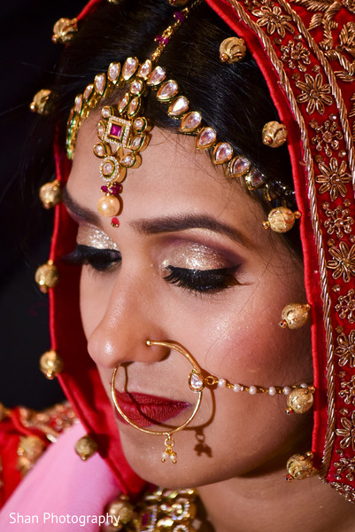 indian bride hair and makeup,bridal jewelry,indian wedding ceremony