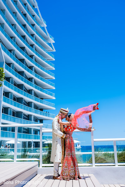 Indian bride and groom beach side photo session.