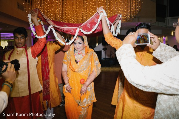 pre- wedding celebrations,mehndi party,indian bride fashion