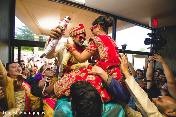 indian wedding baraat,baraat,baraat procession