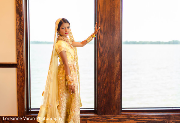indian bride,yellow lengha,indian bridal fashion,indian wedding photography