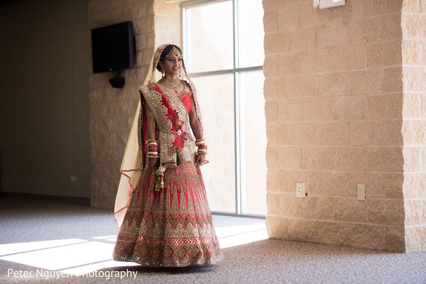 indian bride lengha,indian bride fashion,bridal jewelry