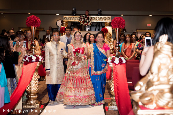 indian wedding ceremony floral and decor,indian wedding ceremony,indian bride lengha,indian bridal bouquet