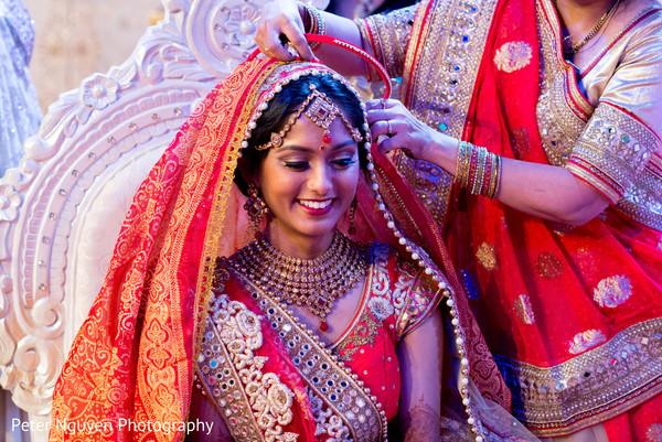 bridal jewelry,bridal tikka,indian bride fashion,indian wedding ceremony