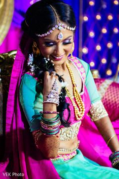 indian bride lengha,indian bride hair and makeup,indian bride accessories,bridal jewelry