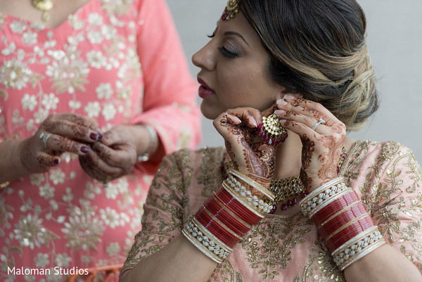 indian bride,bridal jewelry,getting ready
