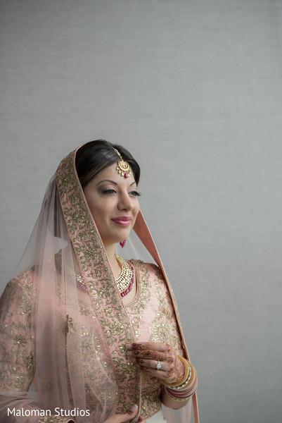 indian bride,indian bride ceremony fashion,indian bridal makeup