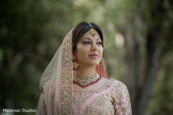 indian wedding photography,sikh bride,indian bridal fashion