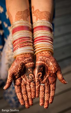 bride bangles,indian bridal mehndi,mehndi art
