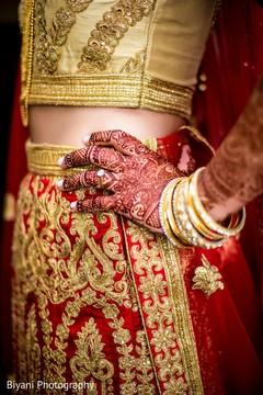 indian bride fashion,bridal mehndi,mehndi art,bride bangles