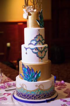 indian wedding cake,indian wedding reception,cake topper