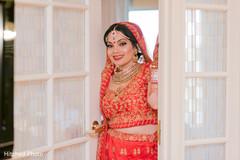 Utterly beautiful Indian bride look.