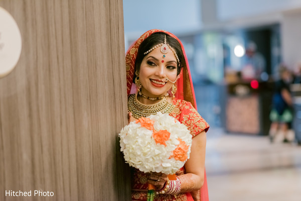 Insanely cute Indian bride photography.