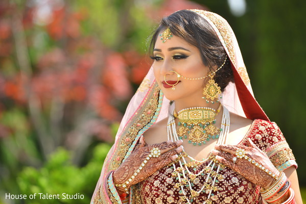 bridal jewelry,bridal tikka,indian bride fashion