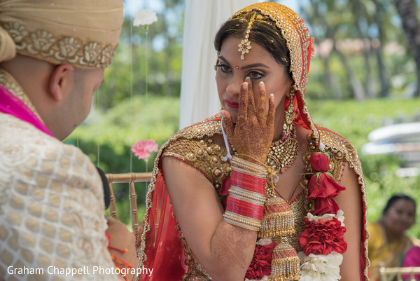 bridal mehndi,indian bride makeup,indian bride fashion