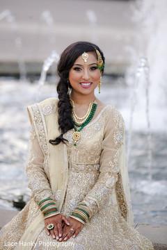 golden lengha,bridal lengha,indian bride fashion