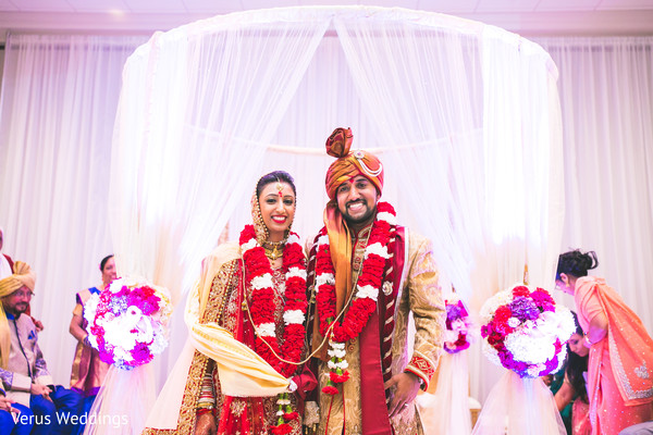 indian groom fashion,indian bride fashion,indian wedding ceremony,indian bride and groom portrait