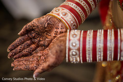indian bride,bridal henna,mehndi