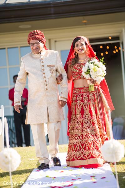 indian bride,bridal bouquet,indian wedding ceremony