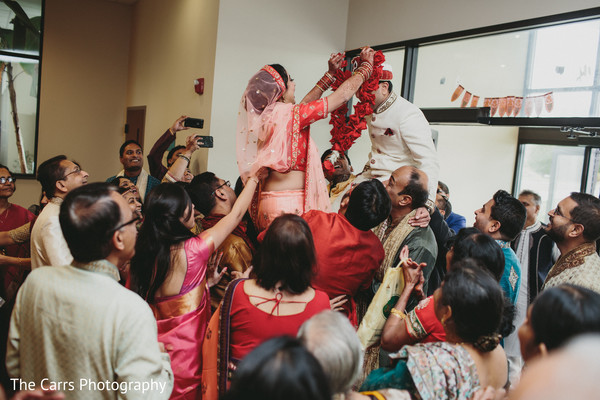 indian wedding photography,pre-wedding traditions,jaimala