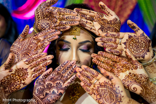 indian bride,indian bridesmaids,mehndi party,indian bridal mehndi