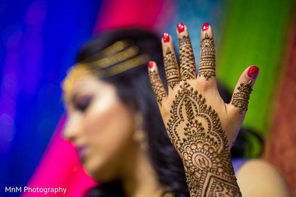 indian bride,bridal mehndi,mehndi artist,henna
