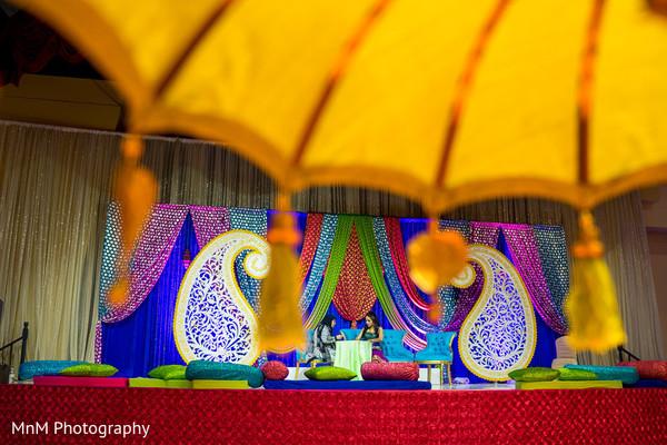 indian bride,mehndi party,mehndi artist,mehndi stage