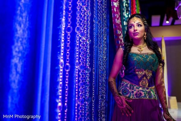 indian bride,mehndi party,portrait,pre-wedding fashion